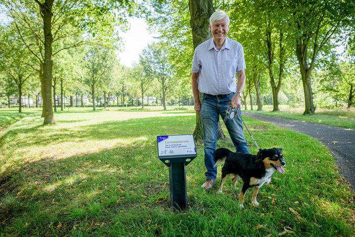 In de hoek Hasselerbaan Bartelinkslaantje is een uitlaatveld voor honden. Hondeneigenaars maken zich boos over het feit dat honden zo de Hasselerbaan op kunnen hollen. Franz Ahne laat hond Woody van zijn dochter uit.