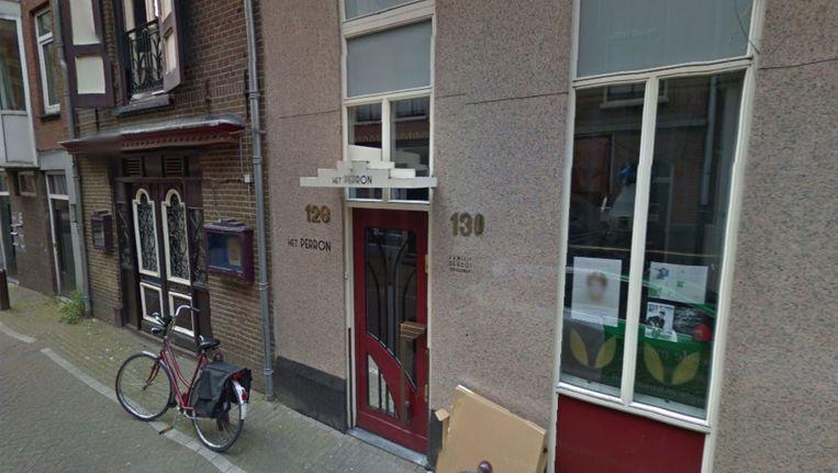 Het Perron sluit zijn deure, omdat het pand verkocht is. Beeld Google Streetview