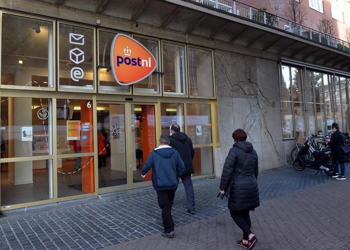 laatste postkantoor sluit: voortaan postzegels kopen in