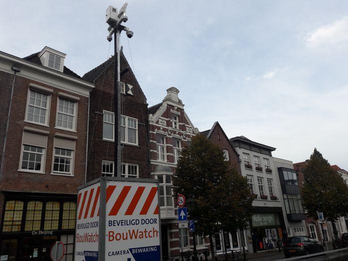 Meerdere camera's in de binnenstad van Den Bosch moeten de politie een beter beeld geven van de situatie in de stad tijdens de intocht van Sinterklaas.