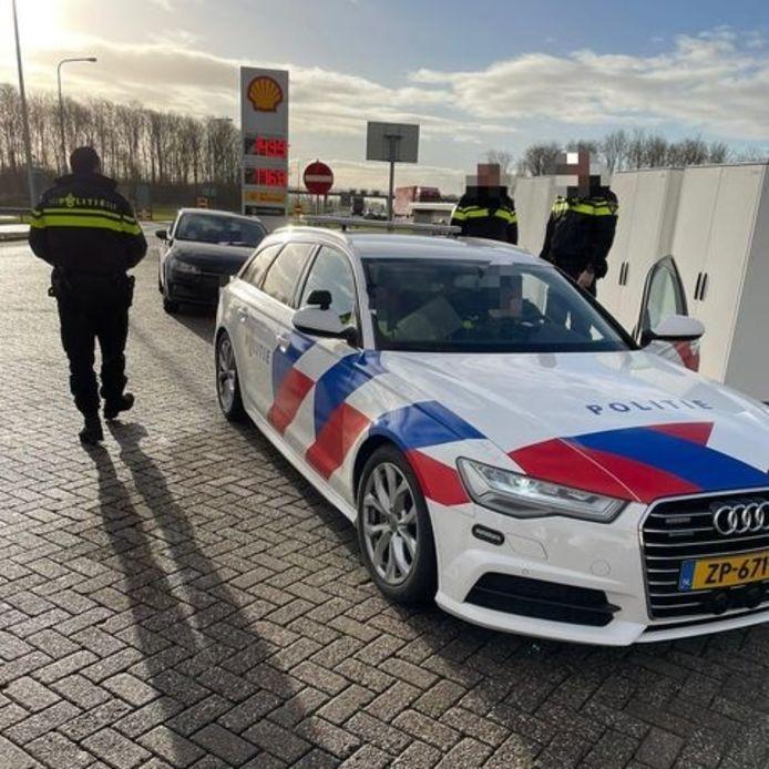 Het rijbewijs van de man is ingevorderd.