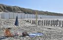 De strandhuisjes in Westkapelle stonden er dit weekend verlaten bij. De meesten waren al leeg.