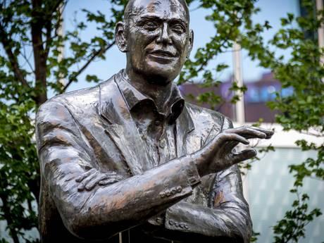 Standbeeld Pim Fortuyn beklad: 'Racist'