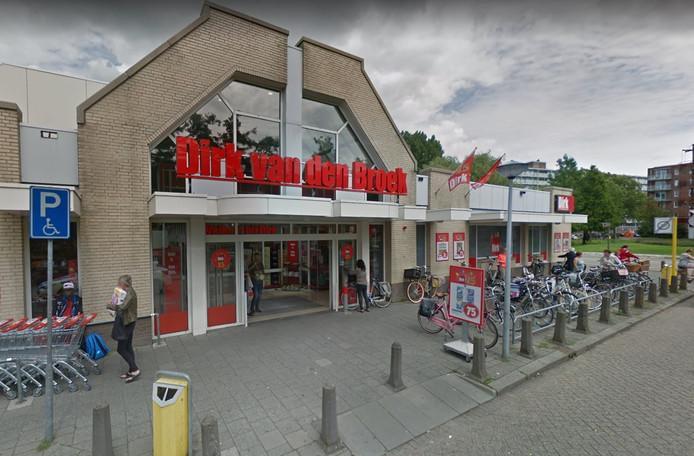 Supermarkt Dirk van den Broek aan de Sportlaan in Alblasserdam.