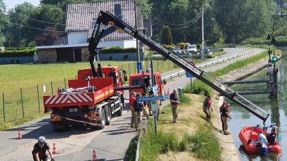 Brandweer haalt lammetjes uit Dender aan Het Bruggenhuis: diertjes overleven het helaas niet