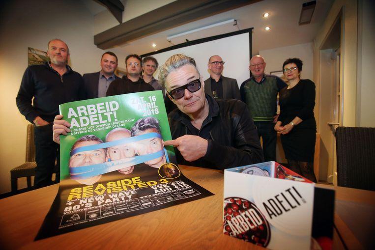 De organisatoren van Seaside Revisited 3 konden Marcel Vanthilt strikken voor een optreden met Arbeid Adelt!.