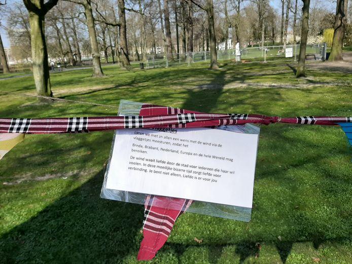 Met vlaggetjes wordt geprobeerd de Bredanaars een hart onder de riem te steken