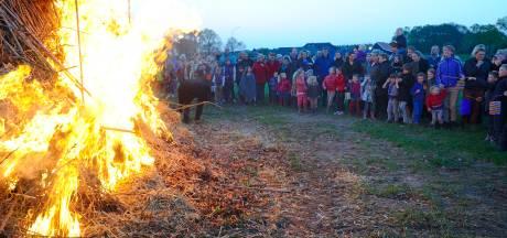 Doe mee en geef je mening: Paasvuur 2019 was de laatste ooit? Onhoudbaar vanwege van het milieu of een gekoesterde traditie?