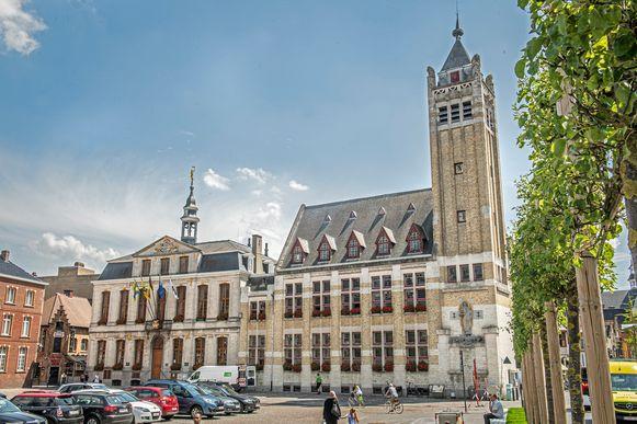 Het historische gedeelte van het  stadhuis wordt bewaard en na renovatie omgevormd tot ontmoetingsplek.