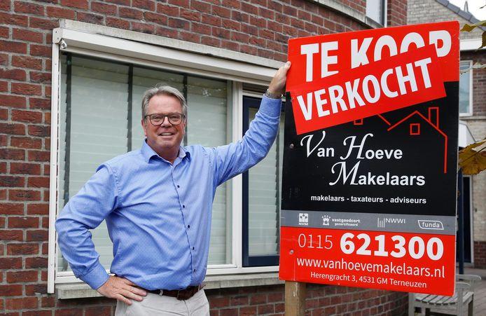 Makelaar Hendrik van Hoeve, voorzitter van de Zeeuwse afdeling van de NVM