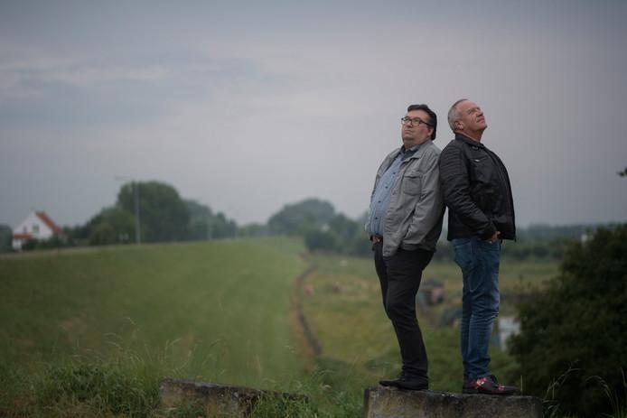 De legendarische Tielse band Urf, Runt en Rukvet speelt aanstaande zondag op festival Tussen de Dijken. Links Andre van Toorn en rechts Henk van Zon.