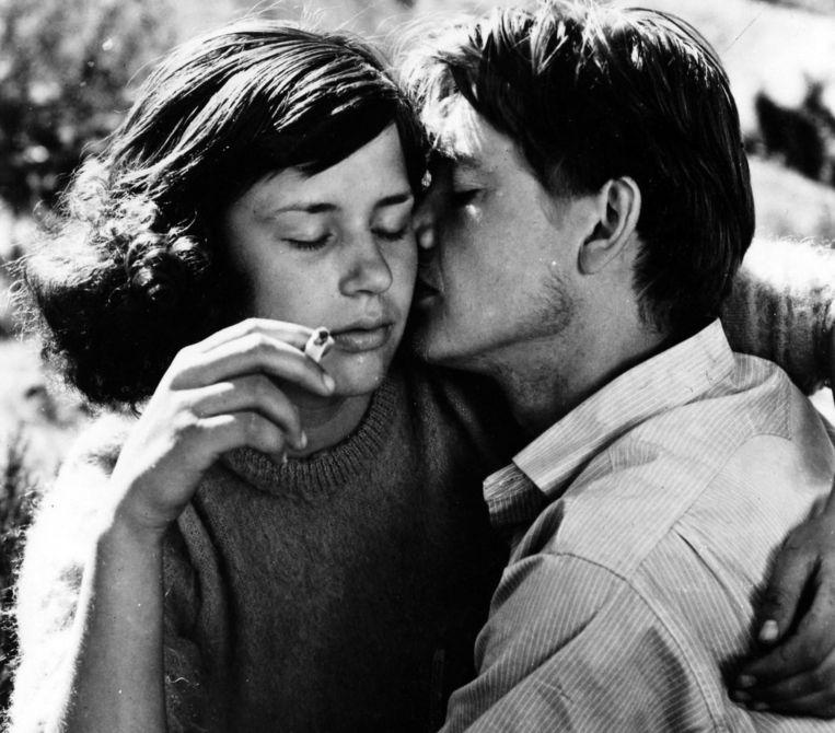 Harriet Andersson en Lars Ekborg in Sommaren med Monika (1953). Beeld