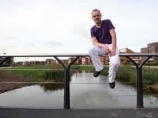 Fractievoorzitter SP Kampen noemt avondklok azc 'te idioot voor woorden'