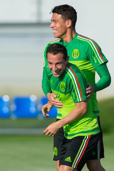 Lozano en Guardado sluiten tien dagen voor Europa League-avontuur PSV aan