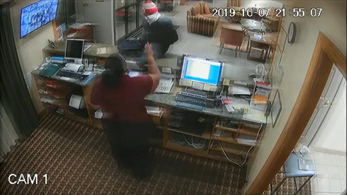 Les images de surveillance lors d'un braquage