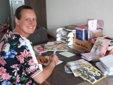 Fabia schreef al bijna 4000 kaartjes aan eenzame ouderen in coronatijd: 'Ik wil een glimlach bezorgen'