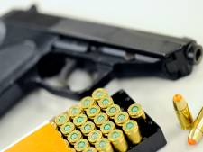 Politie neemt vuurwapen in Lelystad in beslag