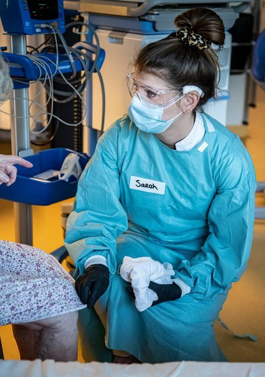 Senior verpleegkundige Sarah Dekker.