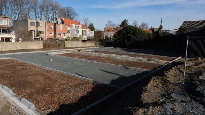 Werken voor aanleg nieuwe parking naast station liggen stil: aannemer failliet