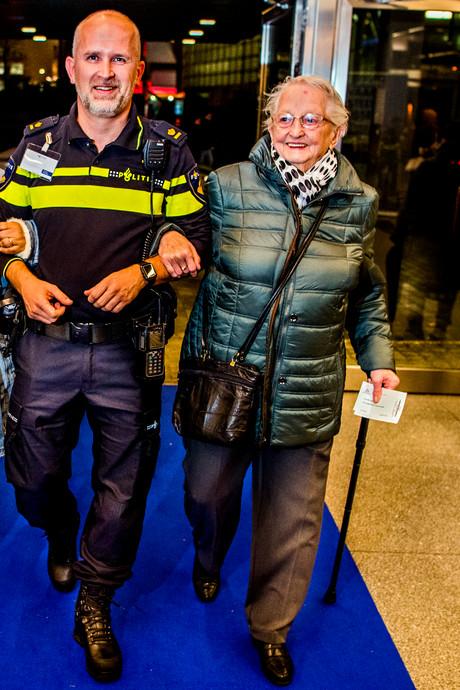 Na nare ervaring laat politie ouderen zorgen vergeten