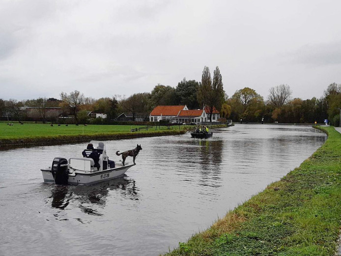 De politie zoekt naar de vermiste Karin Heemskerk in Voorschoten en Leiden.