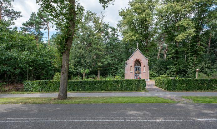 De Ossenkapel aan de Lodderdijk tussen Gemert en Handel.