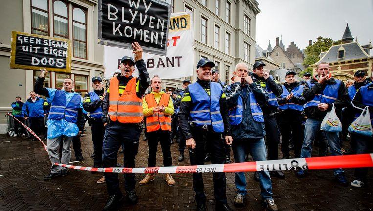 Stakende agenten tijdens een demonstratie in 2015. Beeld anp