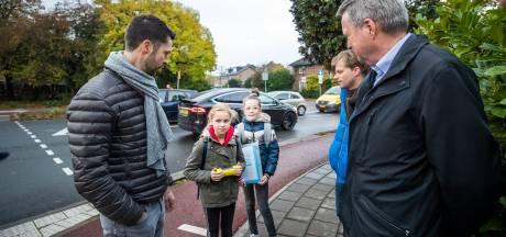Juno en Yfke (11) boeken succes voor een veilige weg in De Bilt: 'Zou onze mail dan toch weer effect hebben gehad?'