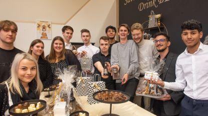 Zevendejaars Winkelbeheer en Etalage van Bernardustechnicum baten smakelijke winkel uit in Oudenaarde
