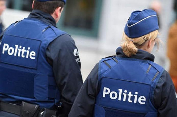 De politie zou onder grote druk staan om voldoende nieuwe kandidaten voor de politieopleiding aan te nemen.