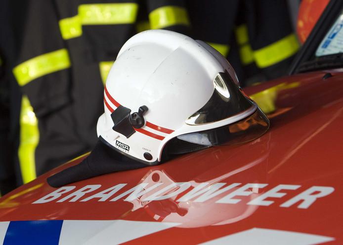 De brandweer in Gorinchem moest vannacht een tiental keer uitrukken voor een containerbrand.