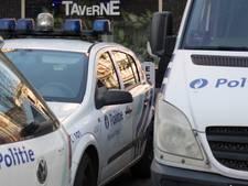Man rijdt in op politie in Molenbeek