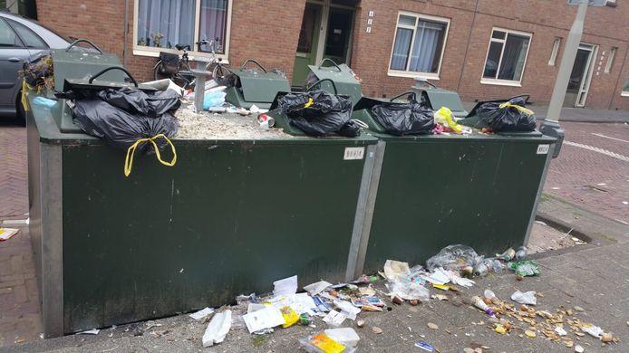 Troep naast containers is net als in Den Haag ook in Rijswijk een grote ergernis en smerig probleem. Speciale hulp-BOA's kunnen helpen in de strijd.