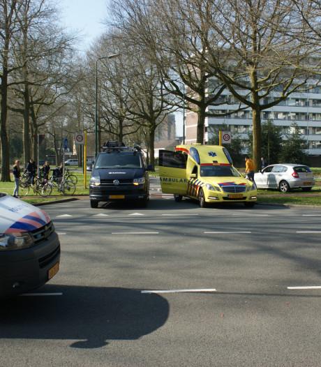 Fietser gewond na aanrijding met auto in Veenendaal
