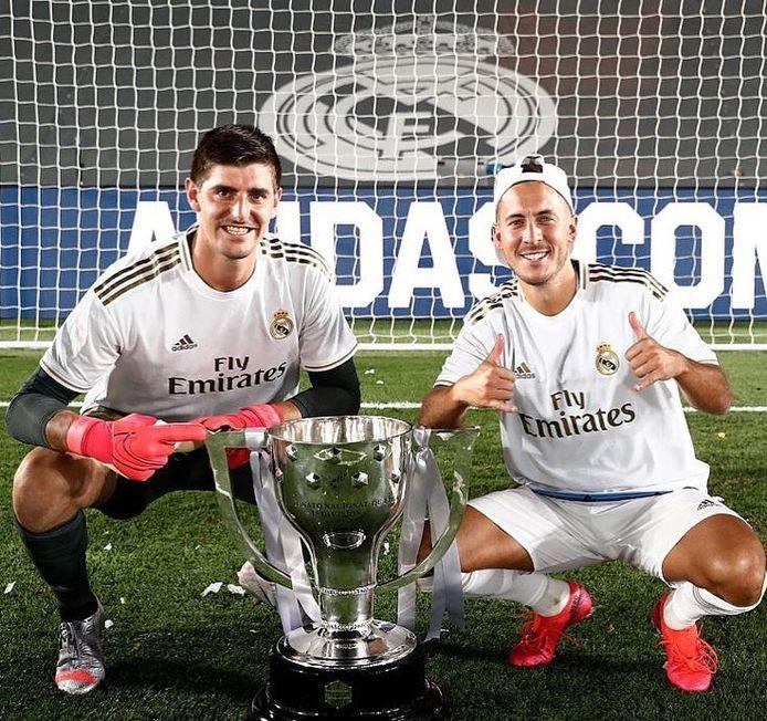 Instagram Thibaut Courtois en Eden Hazard met beker
