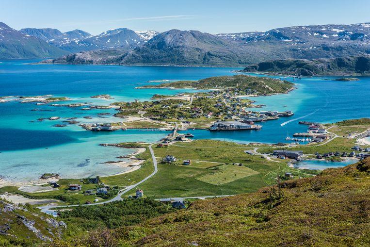 In Sommarøy gaat de zon 70 dagen per jaar nooit onder.