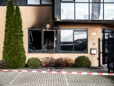 Molotovcocktail legt wéér bedrijf op Nijmeegse Westkanaaldijk in de as