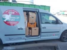 Een record! Xenos Waalwijk schenkt 360 dozen vol spullen aan GSW Altena