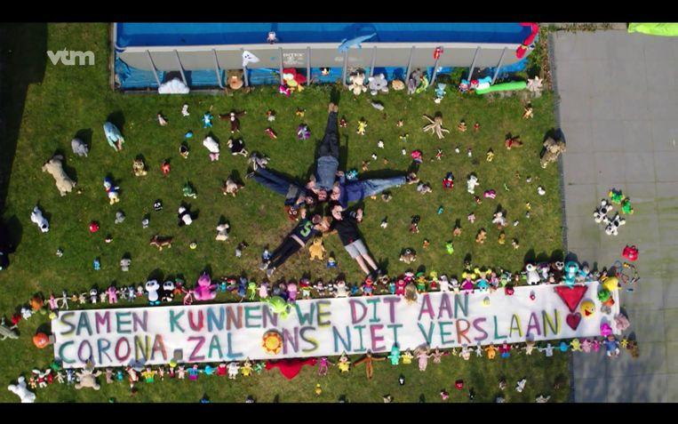 Na hartverwarmende lockdownbeelden, vliegt de drone van VTM en HLN er nu op uit om te kijken hoe we vakantie vieren.