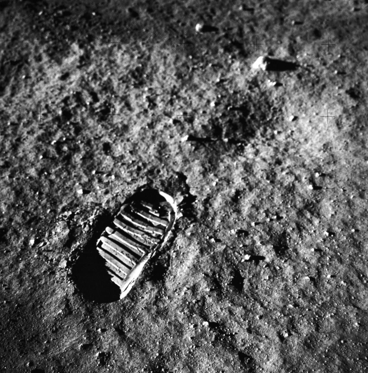 De voetafdrukken van NeilArmstrong op de maan worden door Nasa gezien als erfgoed.Maar er zijn geen internationale regels die mensen verplicht die te beschermen.