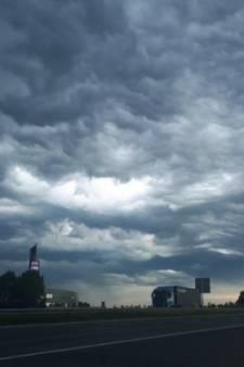 Onweer levert mooie plaatjes op: bekijk hier de foto's