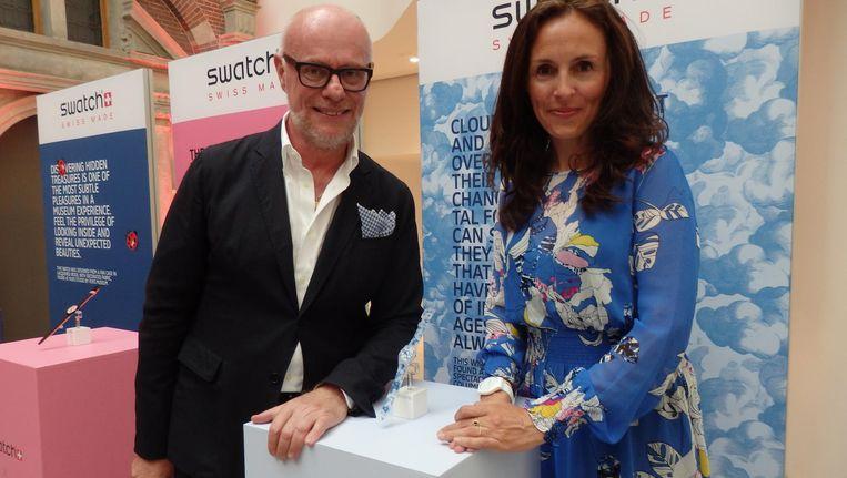 Carlo Giordanetti (Swatch): 'Het gaat om de liefde voor kunst. Het laatste wat we willen is een souvenirhorloge.' Met Francine Heijmans (Rijksmuseum) Beeld Schuim