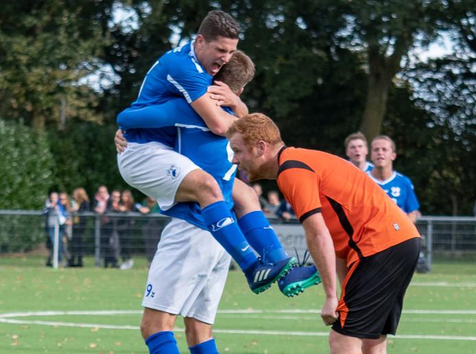 Voetbalwedstrijd SVSSS-VCB