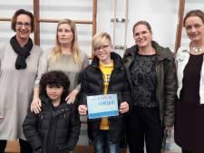 Scholieren halen voor 135 euro aan statiegeld op voor Stichting Kinderdiabetes