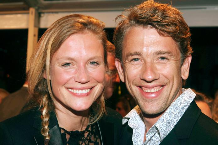 Sophie Hilbrand blijkt al een jaar verloofd met Waldemar