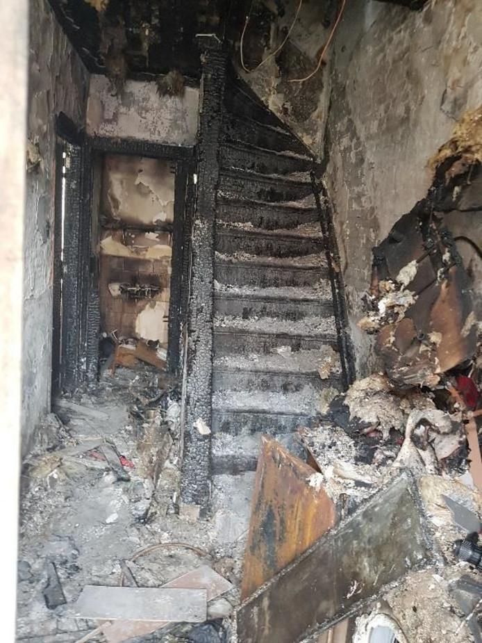 Afgebrand huis aan de Vossiusstraat in Dordrecht staat te koop.