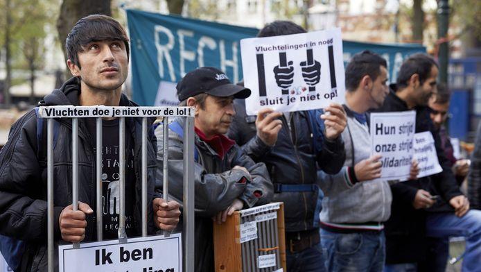 Asielzoekers demonstreren in Den Haag.