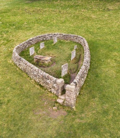 Dit Engelse dorpje ging in 1665 op slot vanwege de pest, nu komen er toeristen