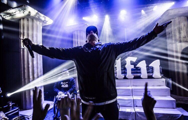 Rapper Jebroer tijdens één van zijn optredens.
