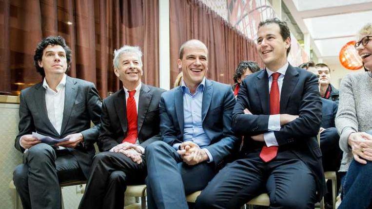 PvdA leider Diederik Samsom samen met Ronald Plasterk (2L), Lodewijk Asscher (R) en Pieter Hilhorst (L) tijdens de aftrap van de campagne voor de gemeenteraadsverkiezingen van 19 maart. Beeld anp